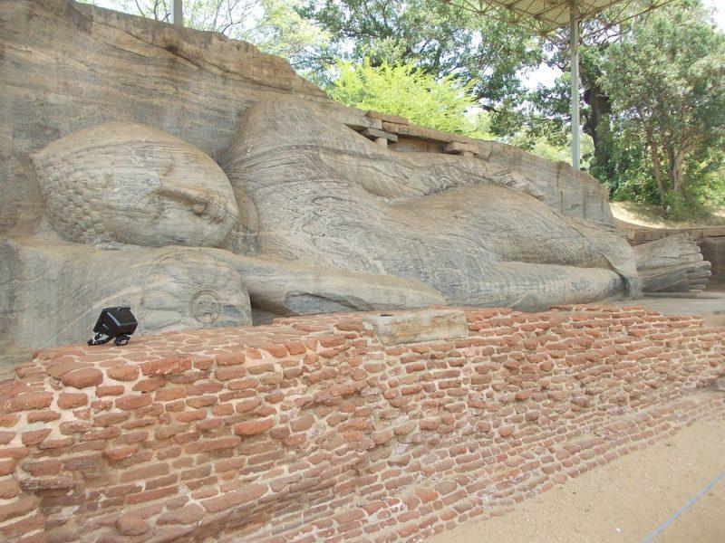 Uttararama polonnaruwa, polonnaruwa gal vihara