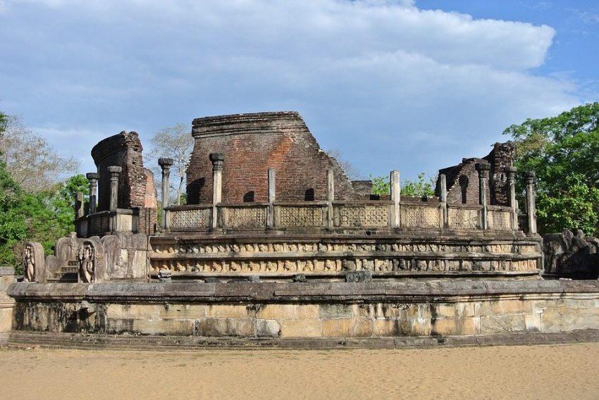 Watadage polonnaruwa quadrangle, places to visit in Polonnaruwa