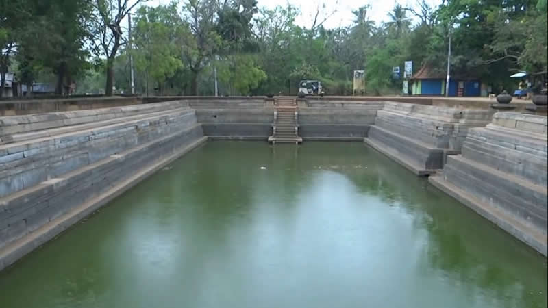 Anuradhapura ancient places –the twin ponds