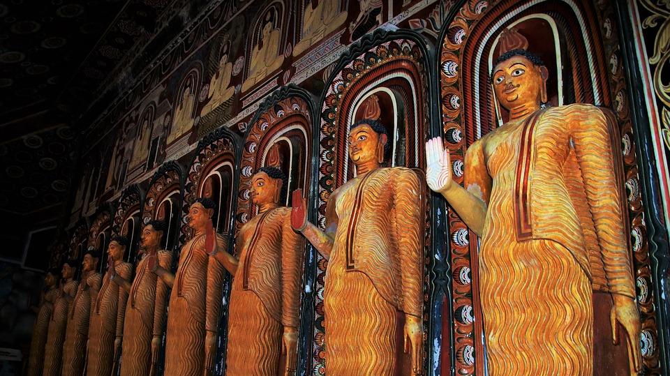 Mulgirigala Buddha statue