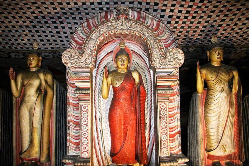 statues of dambulla cave temple, dambulla caves