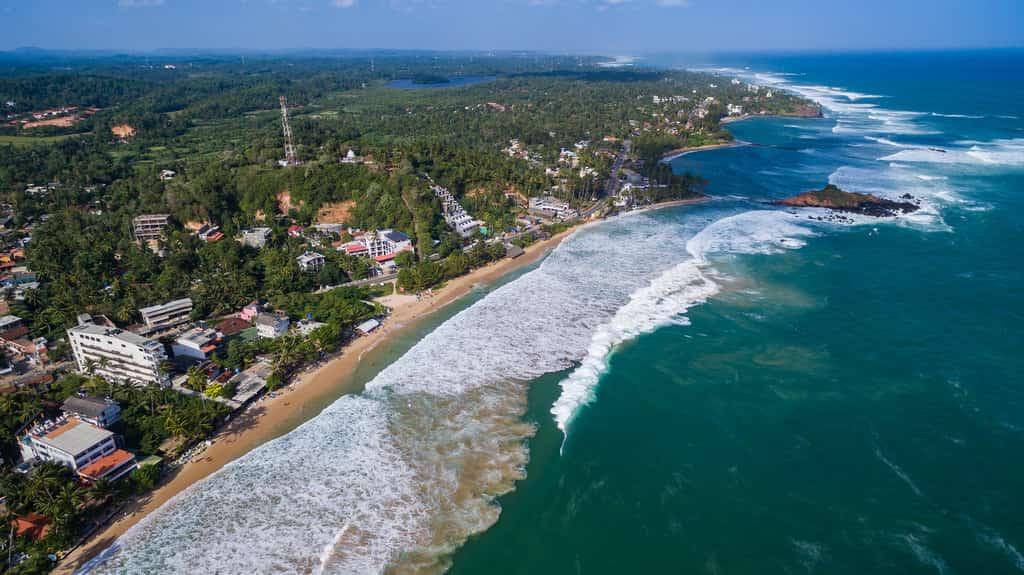 Sri Lanka Road Trip, visiting beach
