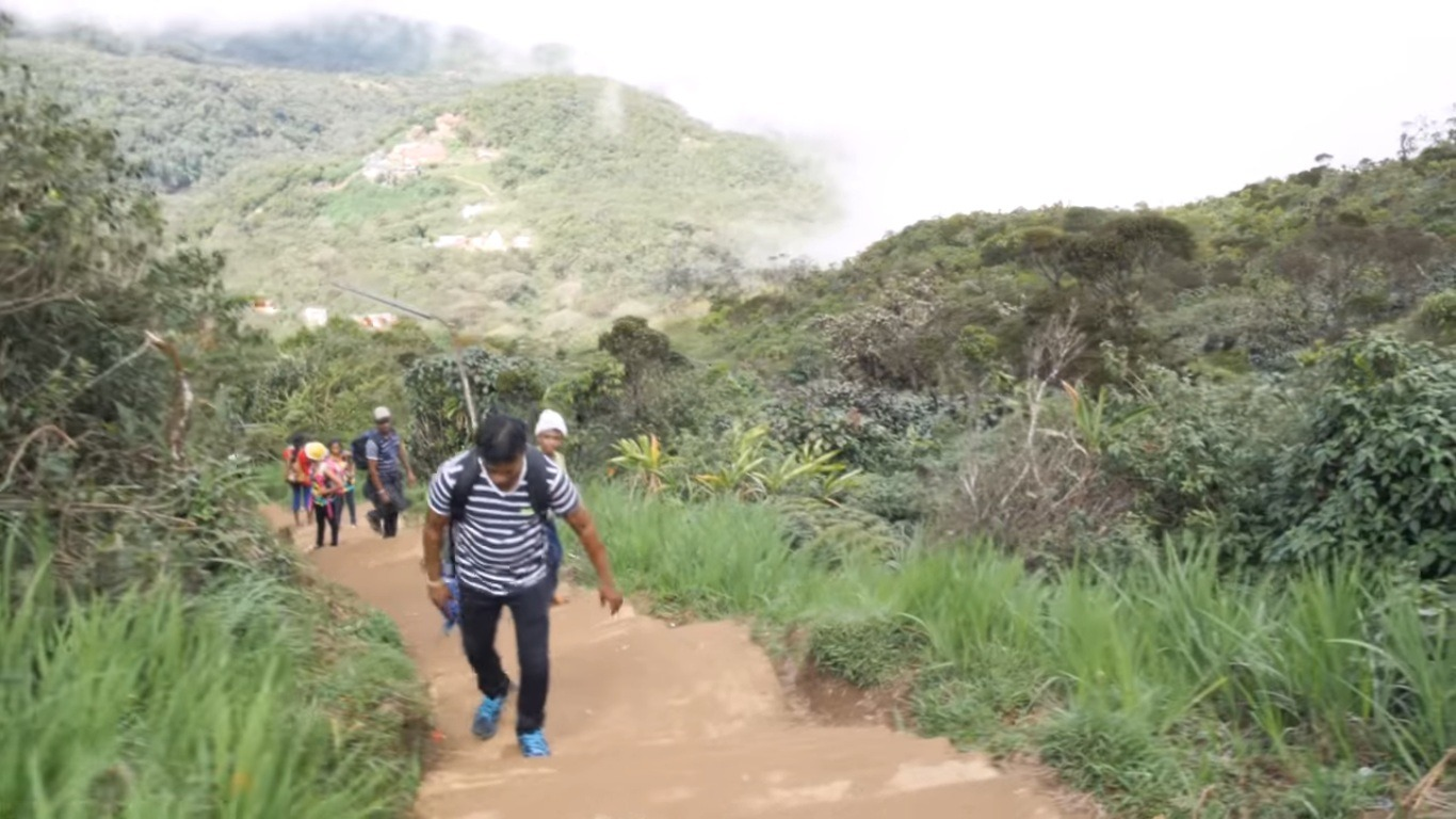 adams peak trek, Adventure Places in Sri Lanka, 5 Best Places For Adventure Activities In Sri Lanka