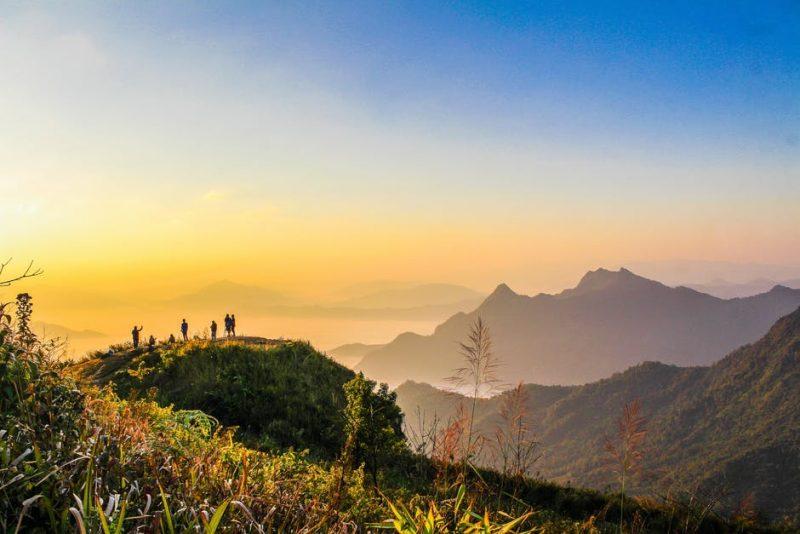 Hiking in Sri Lanka, sri lanka hiking, adam's peak hiking
